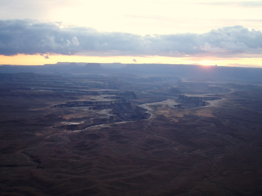 The Green River Overlook overlooks the White Rim and the faroff Needles District